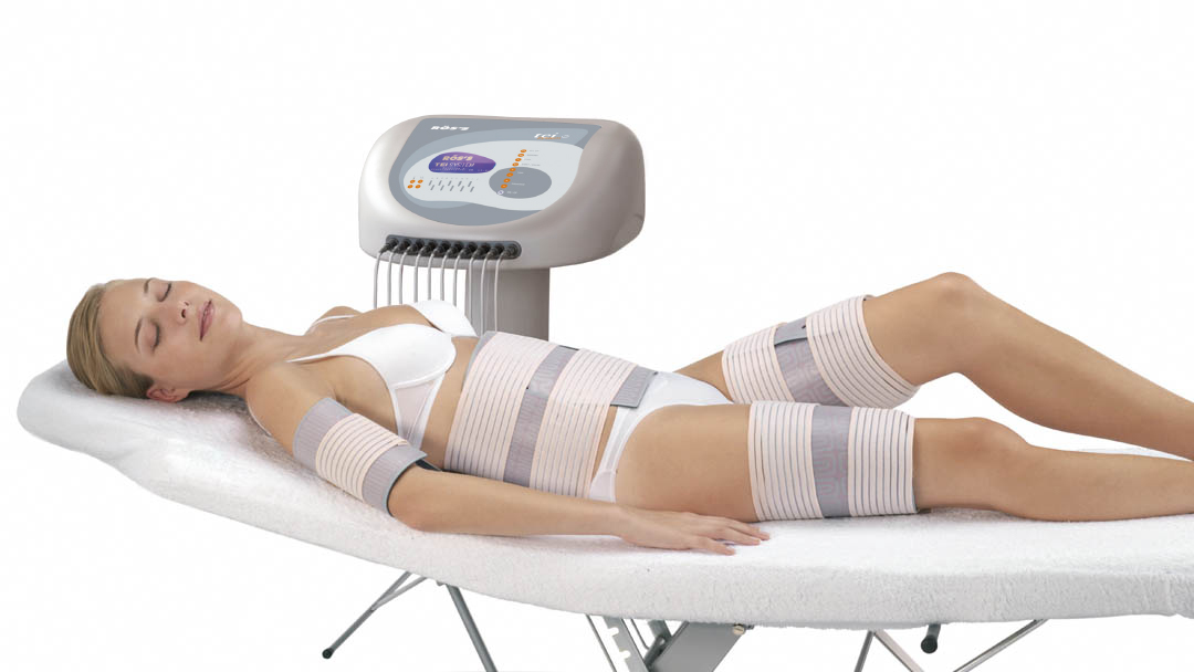 Tei System woman with thermo-stimulation strips of different sizes in her body