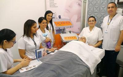 Ricardo Palma Clinic in Lima with RÖS'S ESTÉTICA's COMPLET facial technology